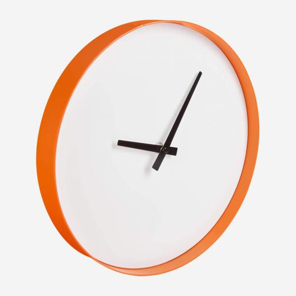 Wanduhr aus Metall, orange