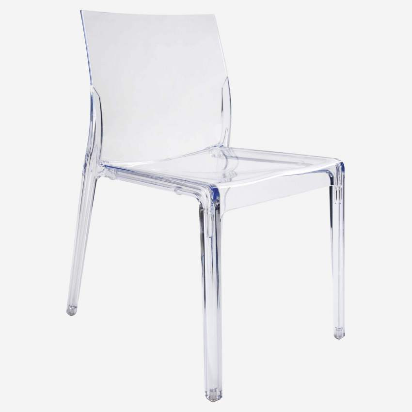 Chaise transparente en plastique
