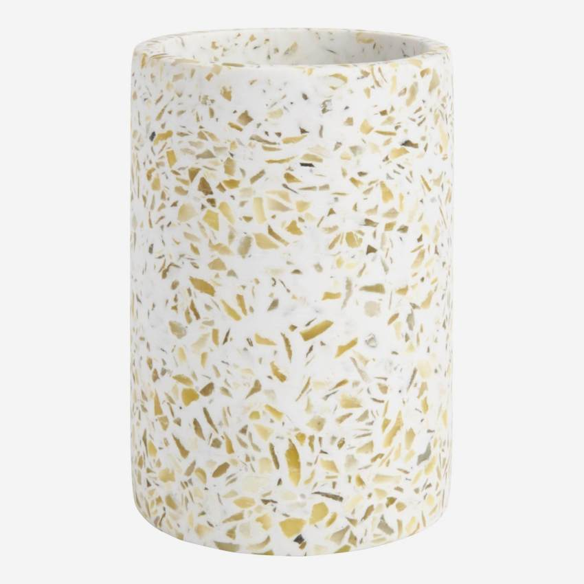 Tumbler made in polyresin wiht a terrazzo look
