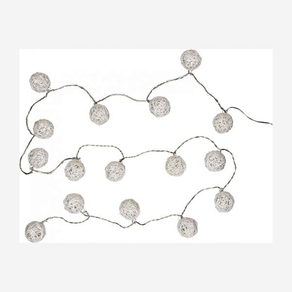 16 ball fairy lights