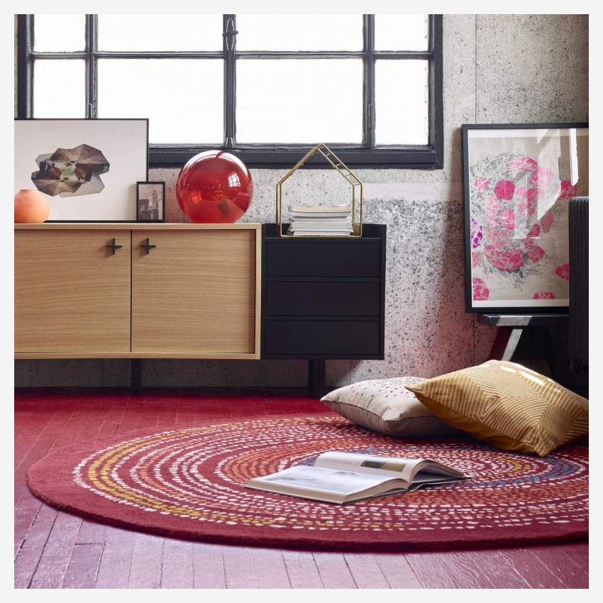 Tufted carpet 200cm, red with patterns