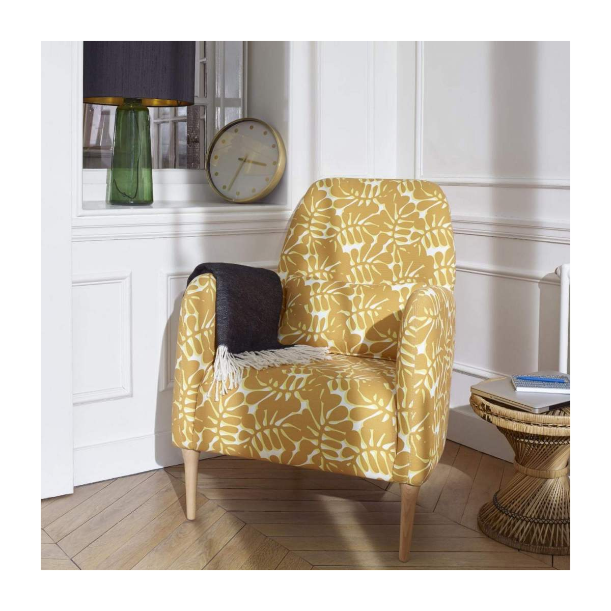 Armchair with yellow patterns n°8