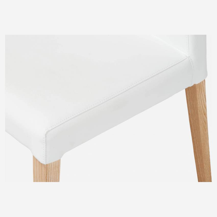Chair made of imitation leather, white with ash legs