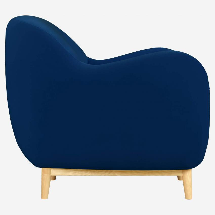 Sessel aus blauem Samt - Design by Adrien Carvès