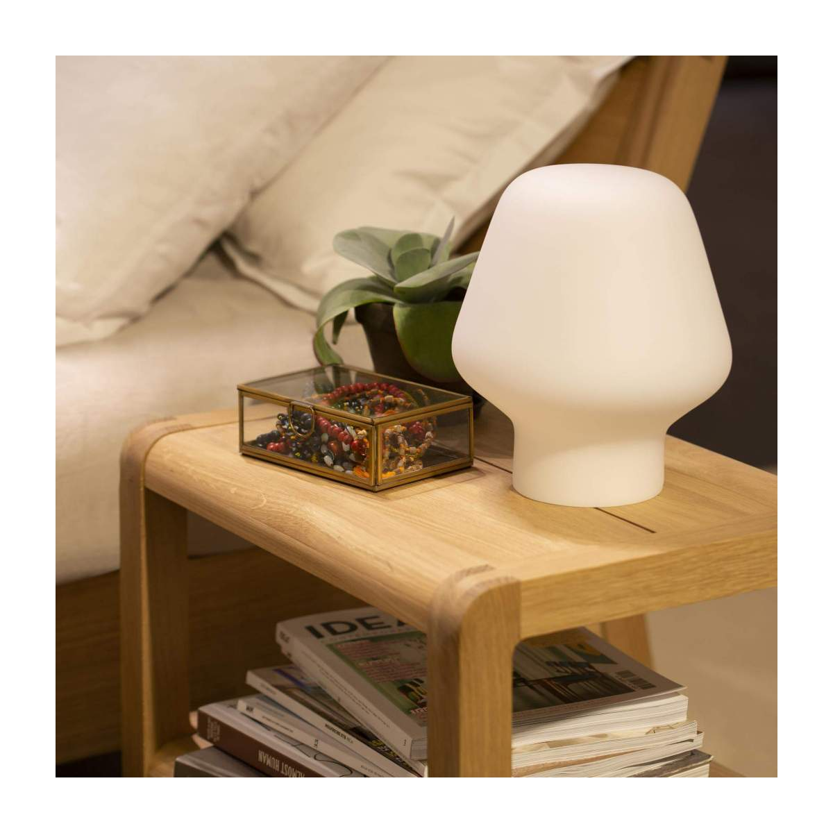 Small frosted glass table lamp n°5