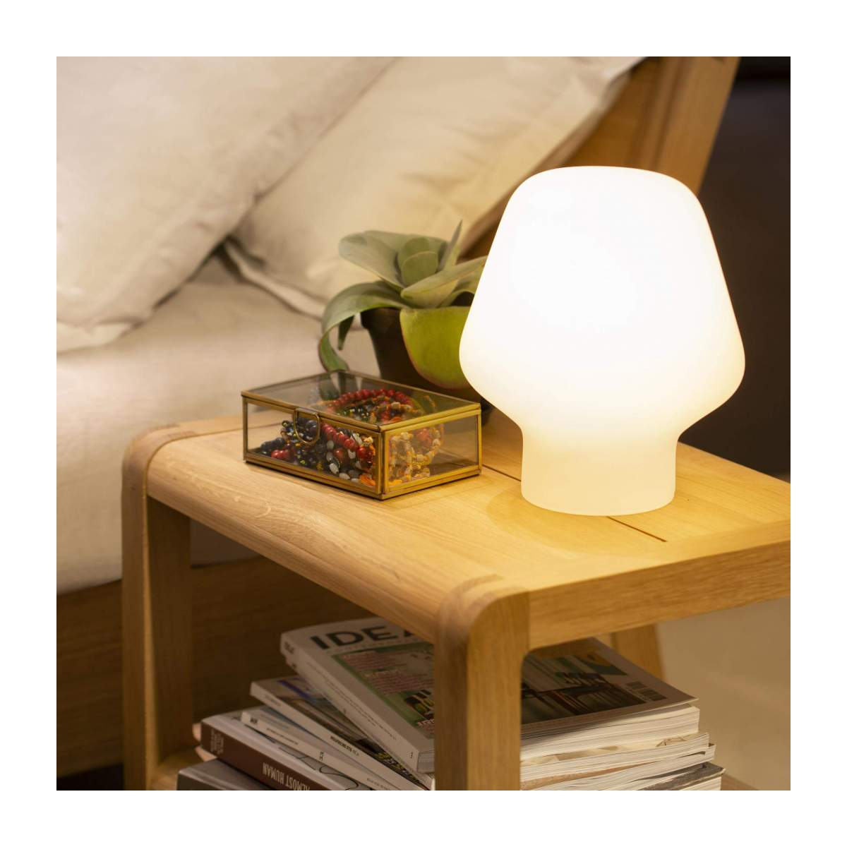 Small frosted glass table lamp n°6