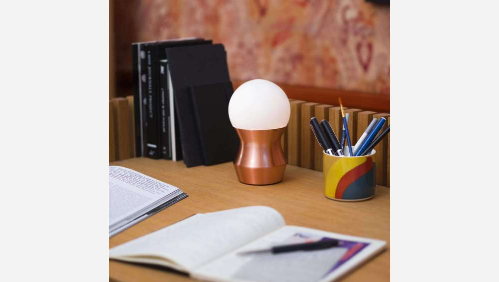 Glass mini table lamp 19cm with copper base