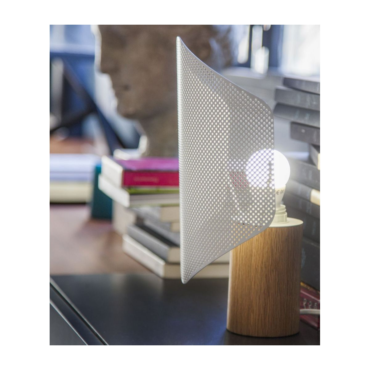 White table lamp n°10