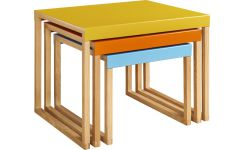 Stackable accent tables in oak and steel, yellow