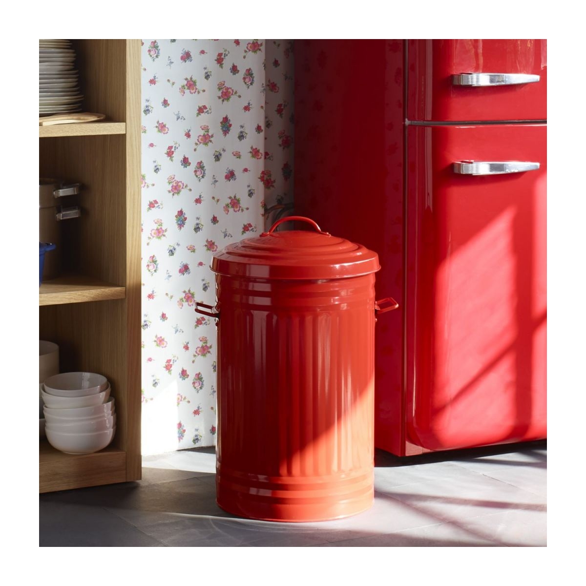 Round trash can, red 52L n°8