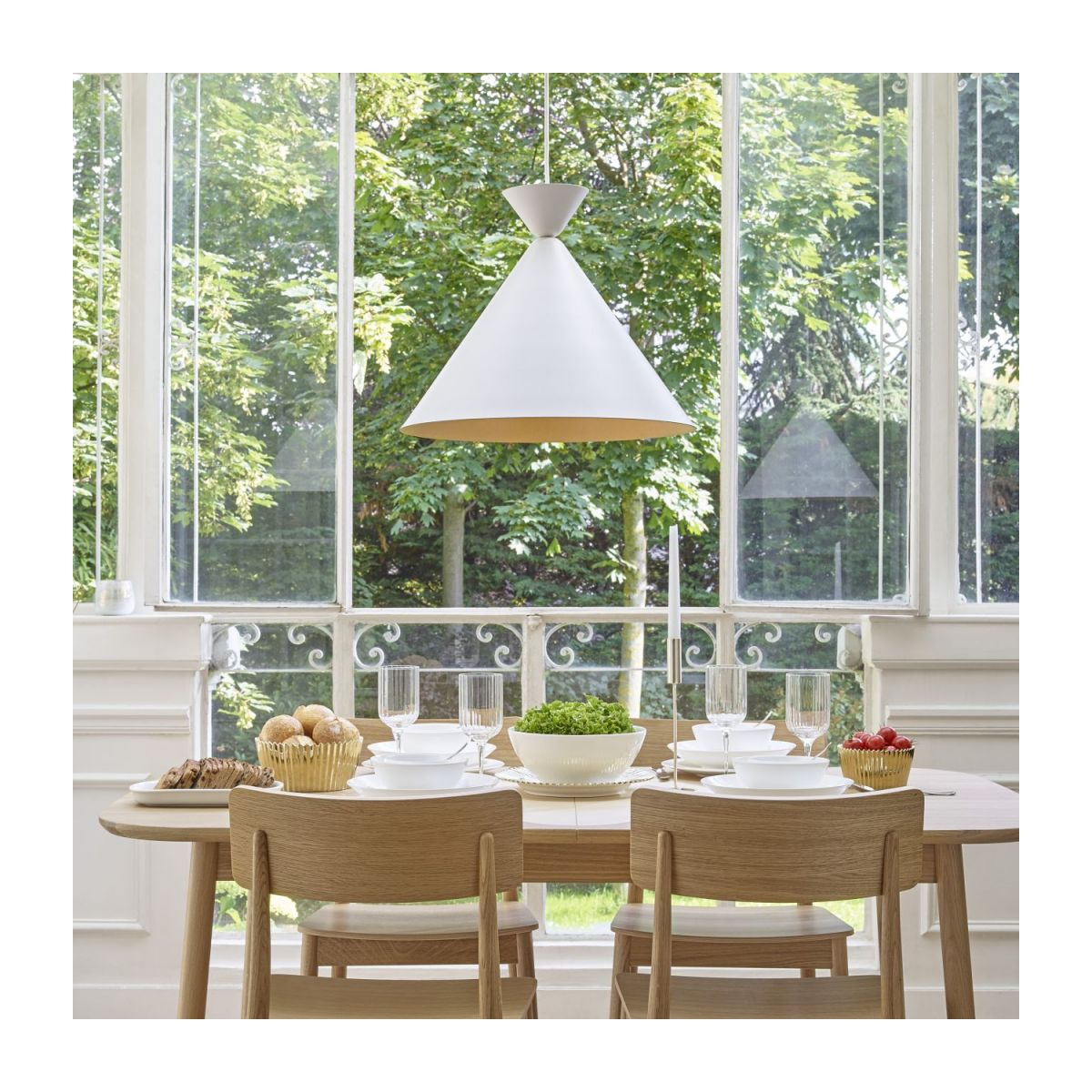 Triangular ceiling lamp, white and copper n°3