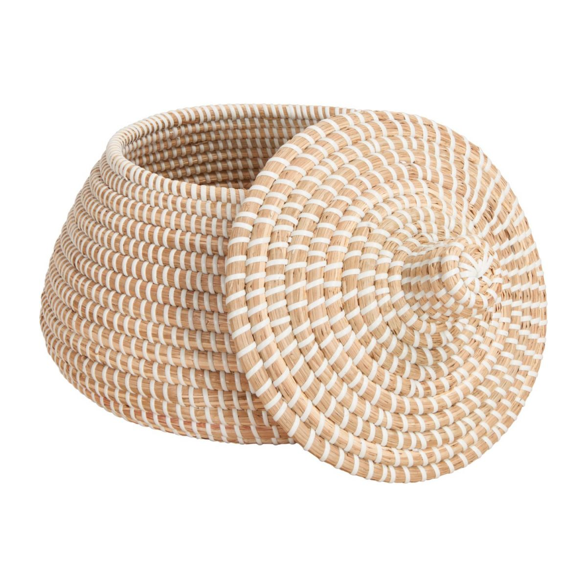 Basket with cover made of seagrass n°2
