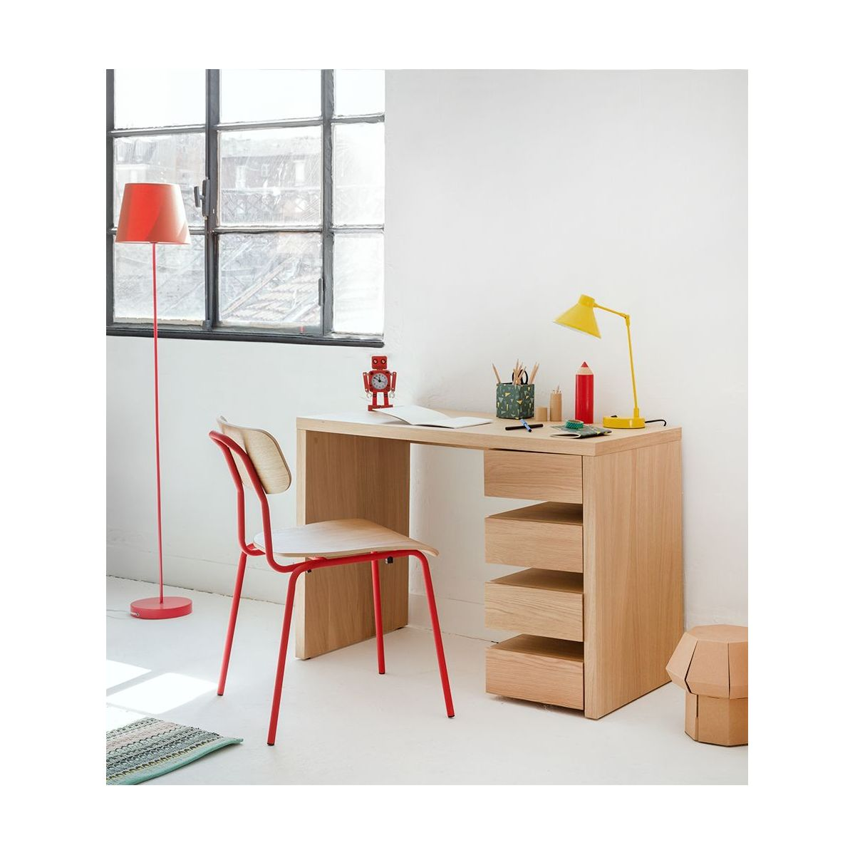 hester chaises de salle manger rouge bois habitat. Black Bedroom Furniture Sets. Home Design Ideas