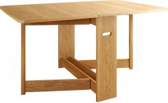 Dining room table with oak leaves