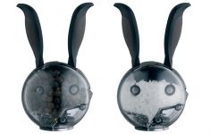 rabbit set of salt and pepper shakers