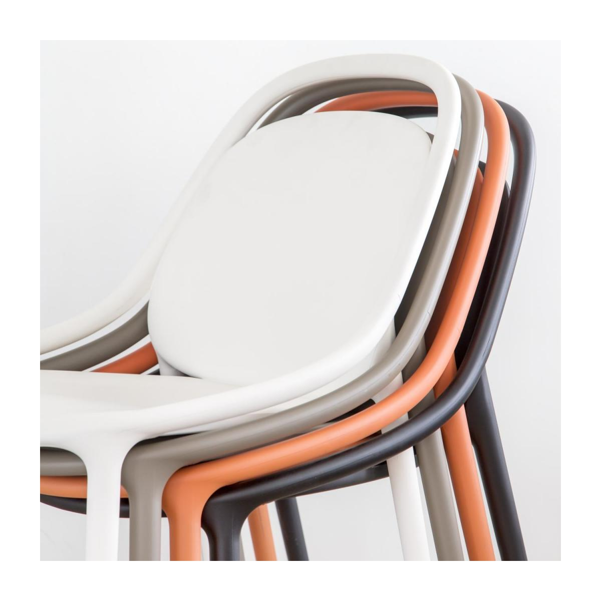 Chaise orange en polypropylène n°6