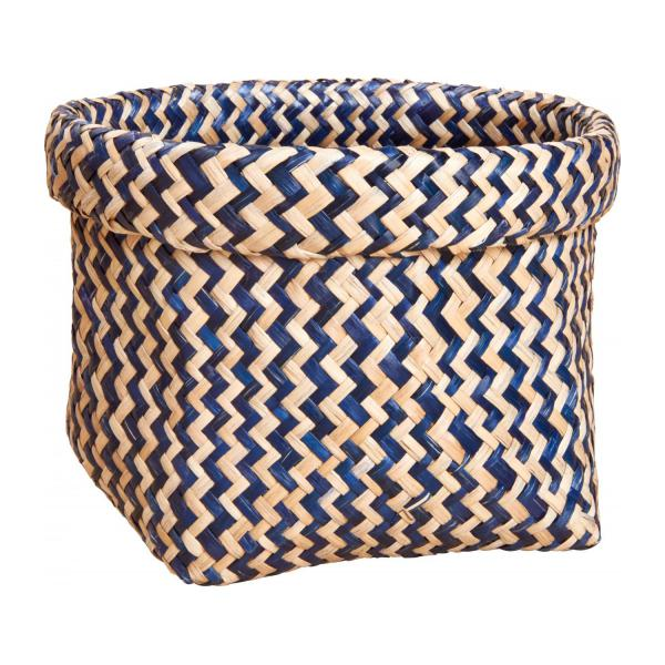 Square basket made of seagrass, with patterns n°1