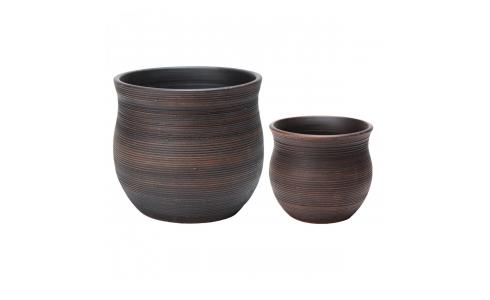 Set of 2 brown striated terracotta  planters 25/18cm