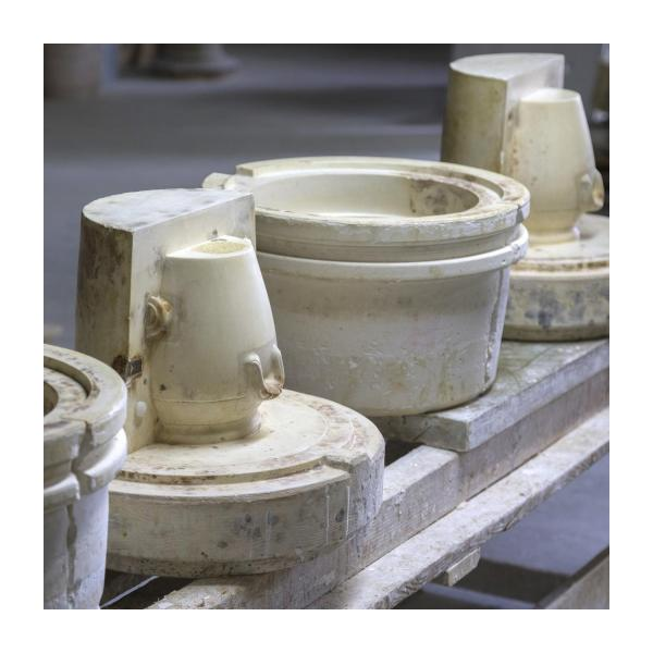 Preparation bowl made in sandstone, natural and red n°9