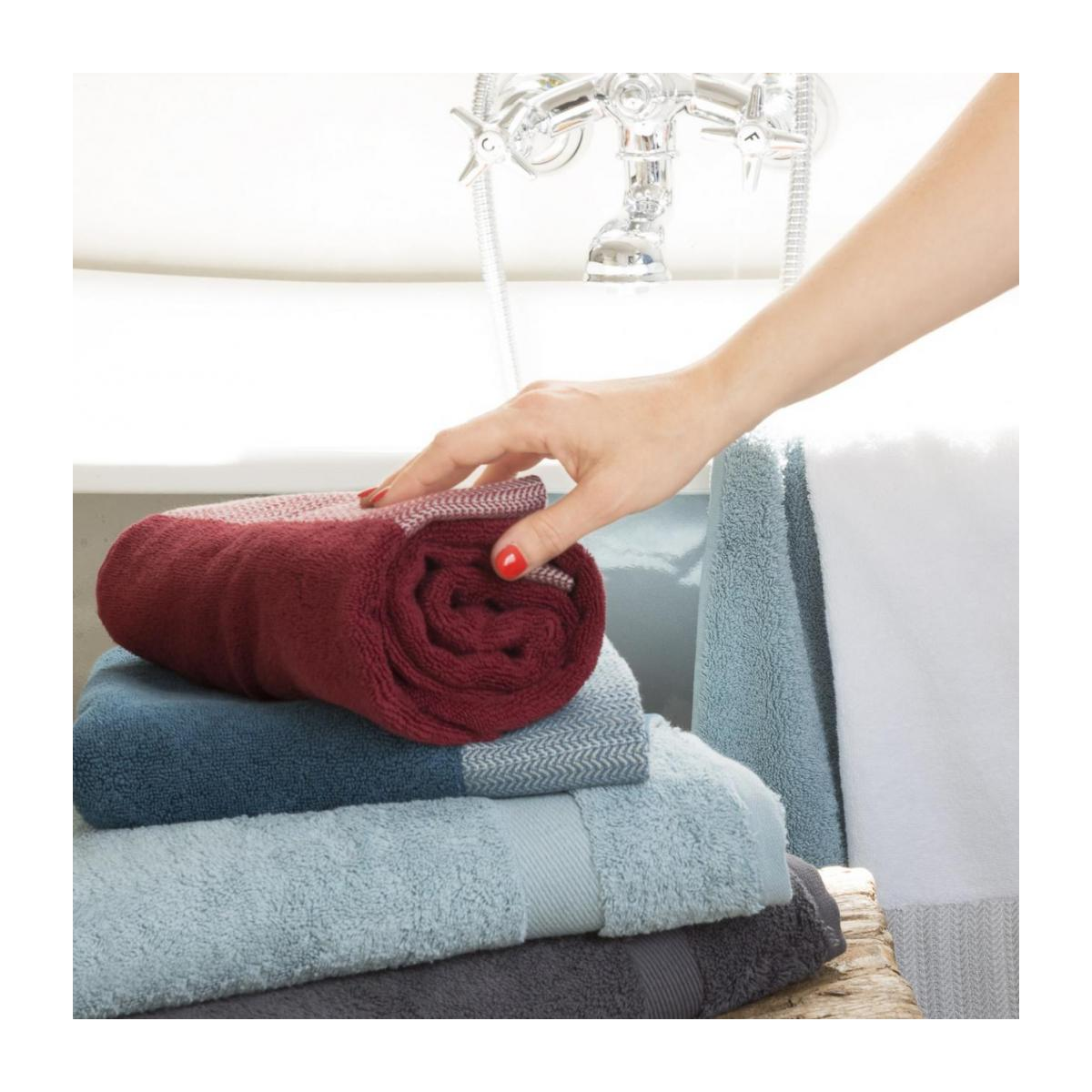 Bath towel made of cotton 70x140, red n°5