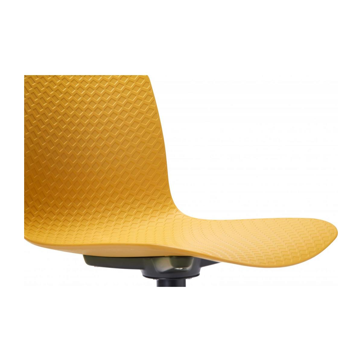 Yellow chair in polypropylene and lacquered steel legs n°6