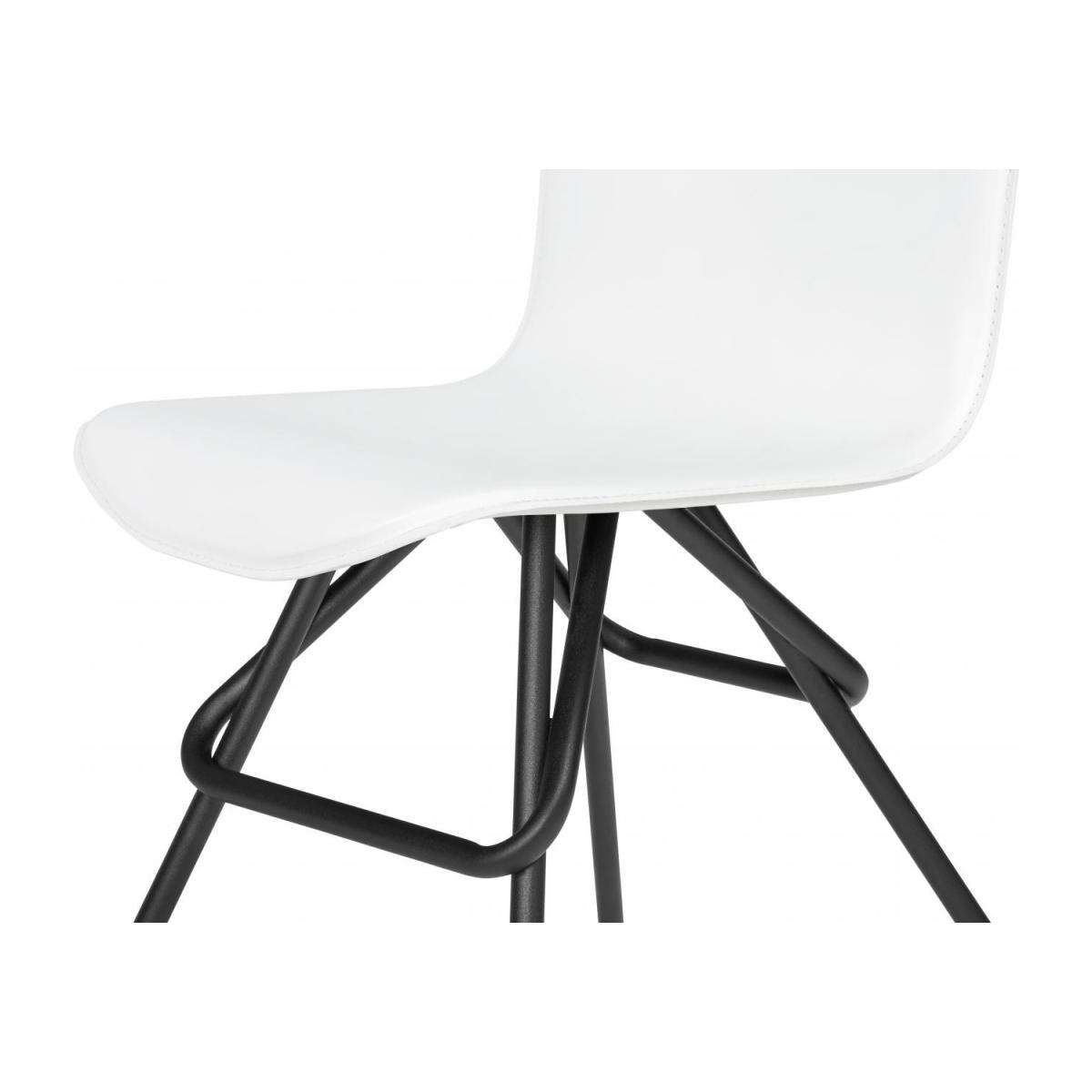 Chair with white faux leather cover and black steel legs n°5