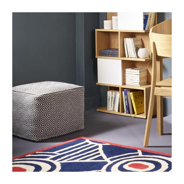 Footstool with black and white patterns n°2
